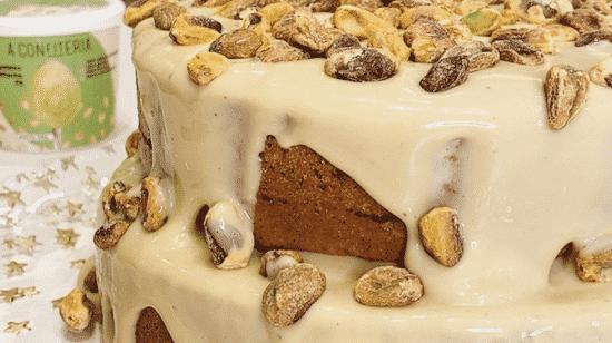 bolo de pistache